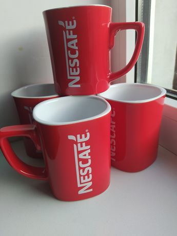 Чашки Нескафе фирменые.