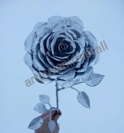 Кованая Роза, кована троянда, цветы из металла, ромашки, лилии