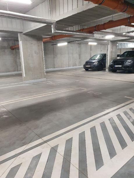 Do wynajęcia miejsce w hali garażowej ul. Smardzewska !!