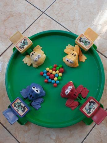 Развивающая настольная игра для деток Веселые жабки Ам Ням