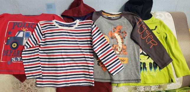 Одежда для мальчика, размер 104-110.