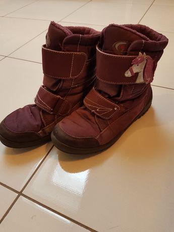 Sprzedam buty dla dziewczynki. Rozmiar 33.