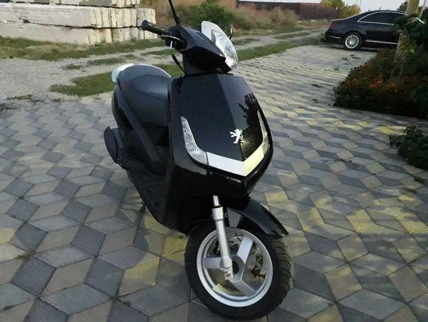Официальный мотороллер Peugeot Vivacity 50 кубов городской скутер Пежо