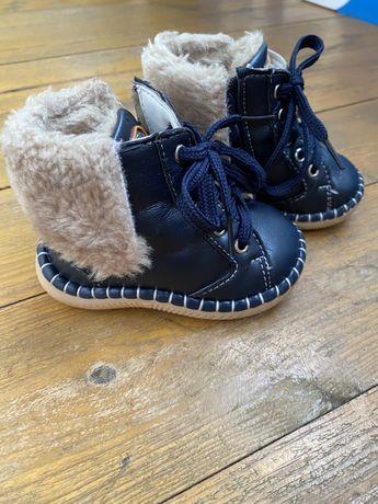 Теплые ботиночки на малыша