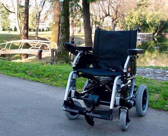 (Baixa de preco) Cadeira de rodas eletrica semi nova, so durante 24h
