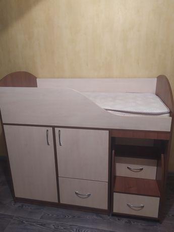 Детская классная вместительная кровать.