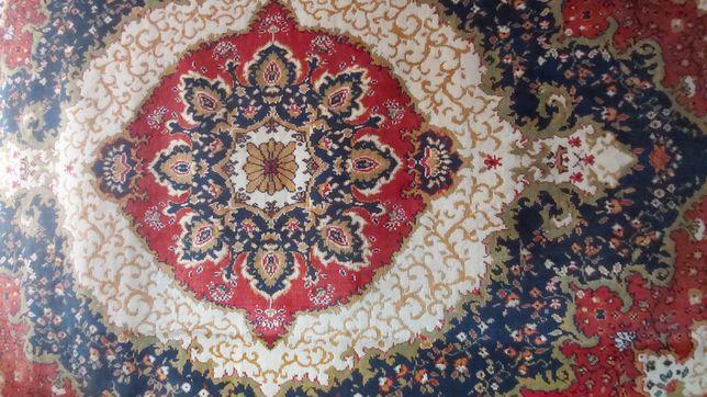 Продам ковёр настенный