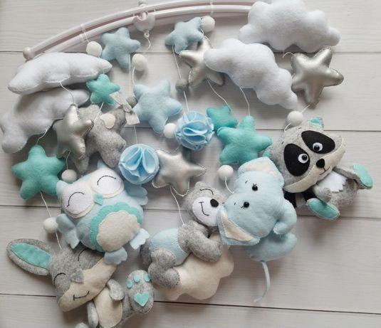 Мобили,игрушки на кроватку для малышей.