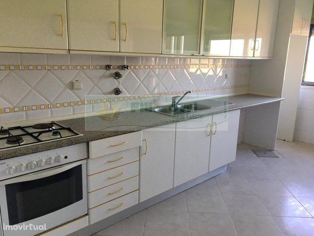 Apartamento T2, para venda, em Alpiarça