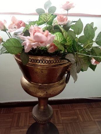 Floreira dourada