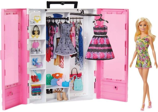 Игровой набор шкаф чемодан с куклой Барби Barbie Fashionistas Ultimate