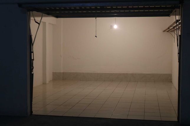 Garagem fechada Bombarral