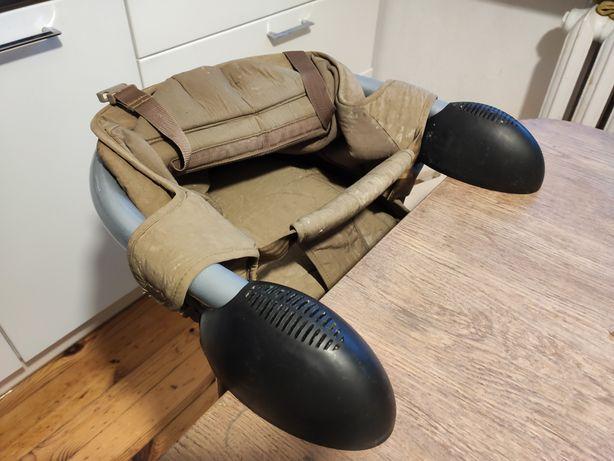 Krzesełko do karmienia - przyczepiane do stołu.