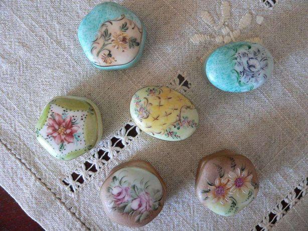 Caixinhas miniatura em porcelana antigas