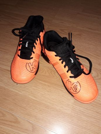 Продам оригинальные кроссовки Kempa