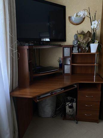 Продам угловой компьютерный/письменный стол
