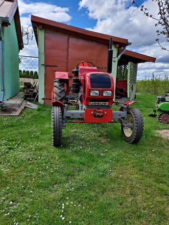 Traktor URSUS C-330