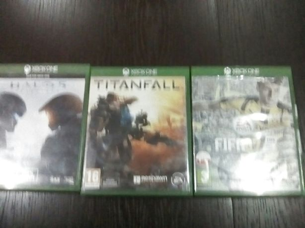 Titanfal , FIFA 17, halo 5 Xbox one