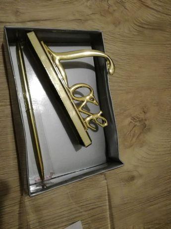 Długopis z podstawką LOVE - kolor złoty