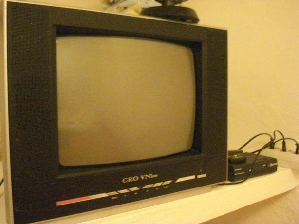 Televisão Crown Japanese a funcionar bem. Comando original