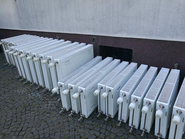 Grzejnik KORADO Radik Klasik typ 22 +termostat Danfoss+zawór Kaloryfer