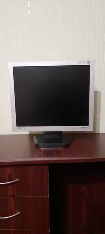 Монитор Samsung SyncMaster 913v
