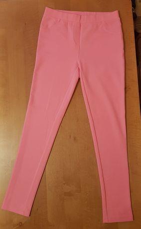 Sprzedam spodnie dziewczęce w r. 146/152 Nowe!