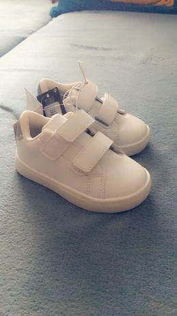 Buty dziecięce nowe rozmiar 22 wkładka 13cm