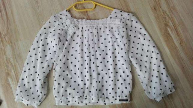 Bluzka w rozmiarze 134