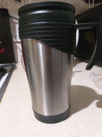 Kubek termiczny srebrno-czarny