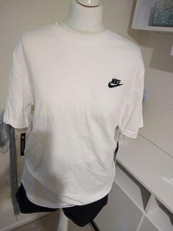 T-shirt Nike m logo oryginal nowy bawelna