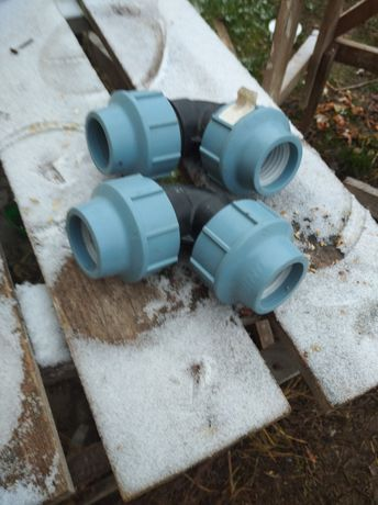 Продам з'єднання для каналізації