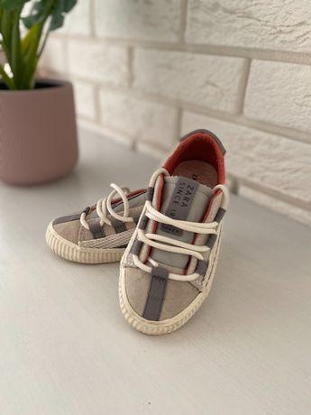 Buty chłopięce ZARA 22 buciki