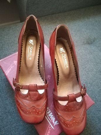 Pantofle ze skóry 38