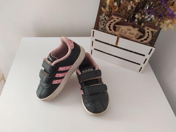 Кросівки adidas кроси
