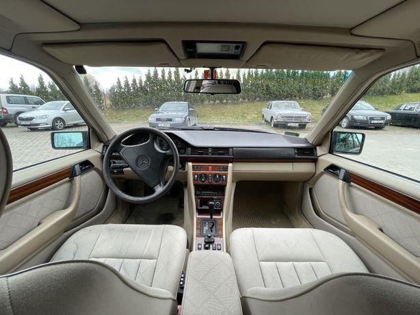 Mercedes E280 W124 wrak