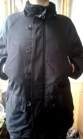 Курточка- пуховик новая на мальчика 12 лет
