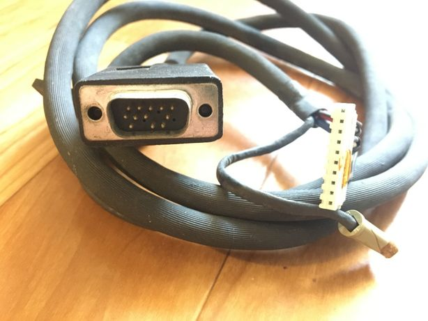Кабель VGA ( D-Sub разъем ) для подключения мониторов