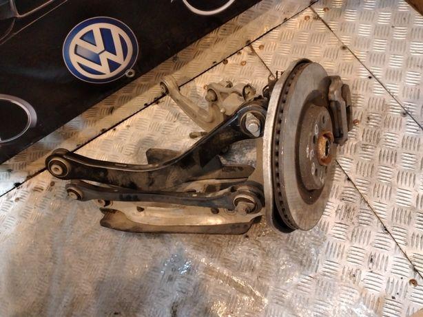 Audi a4 b9 zawieszenie prawe tył zwrotnica quattro