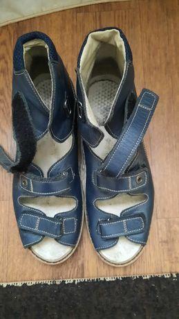 Продам ортопедическую обувь. 37 размер