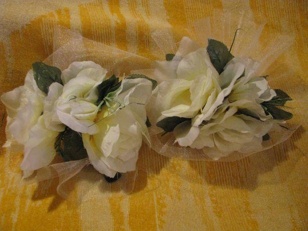 Букет из белых цветов на зеркала на свадебную машину. На резинках
