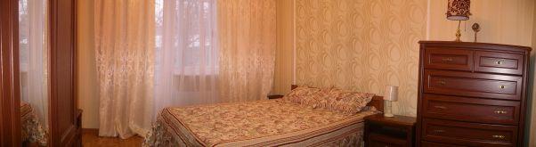 Сдается 1 комнатная квартира в центре Донецка.