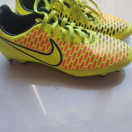 buty Nike korki