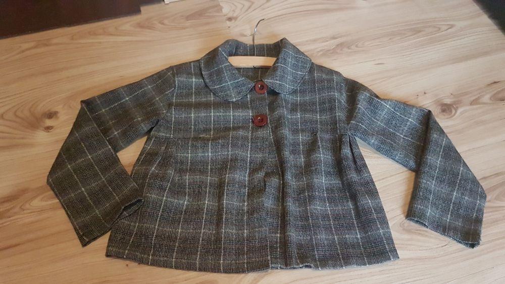 Krótki  płaszczyk dla dziewczynki 116 -122 Bobowa - image 1