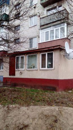 Продам трьох кімнатну квартиру з гаражем
