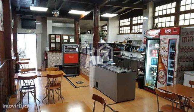 Loja Comercial ou Restaurante para venda na Amoreira em Cascais