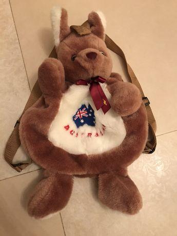 Плюшевый рюкзачок кенгуру, новый