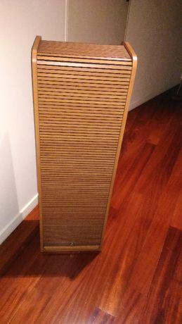 Movel em madeira/ estante. Novo.