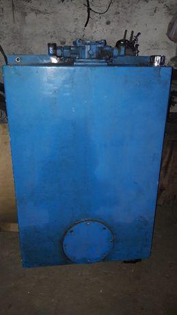 Zbiornik hydrauliczny