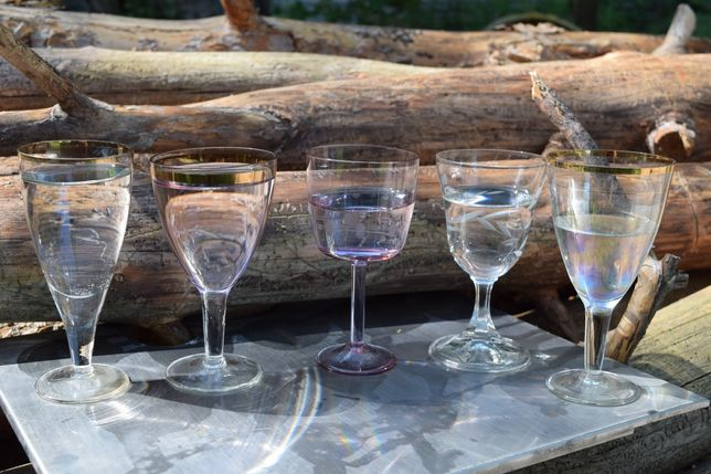 Бокали келихи стакани